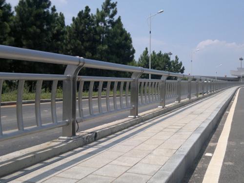 钢制道路护栏